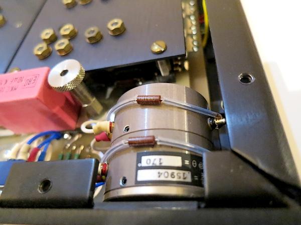 オリジナルの2連スペクトロールボリューム