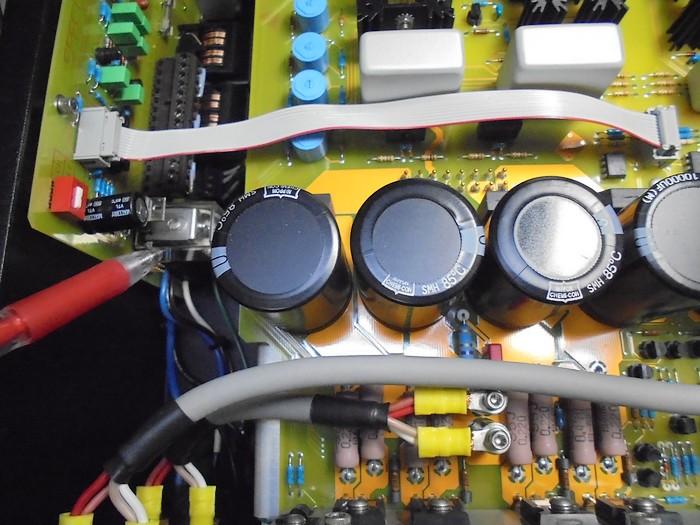 SPECTRAL_内部のここのプロテクター基板を取り外してメンテいたします