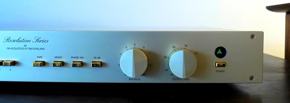 中古 FM ACOUSTICS FM255 ハイエンド・プリアンプ